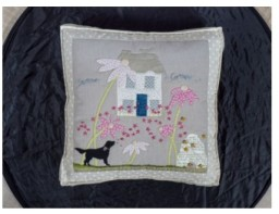 Quiltmania Books - Cowslip Country Quilts-4.jpg