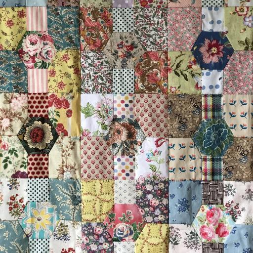 Flower Bed Quilt pattern - Liz @ Broderie 2.jpg