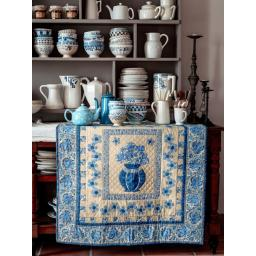 06-Delft-Blue-Vase-livre-Dutch-Heritage_Quilted-Treasure_Petra-Prins-2021.jpg